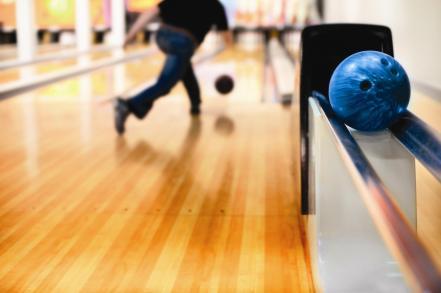 Stock_bowling_photo